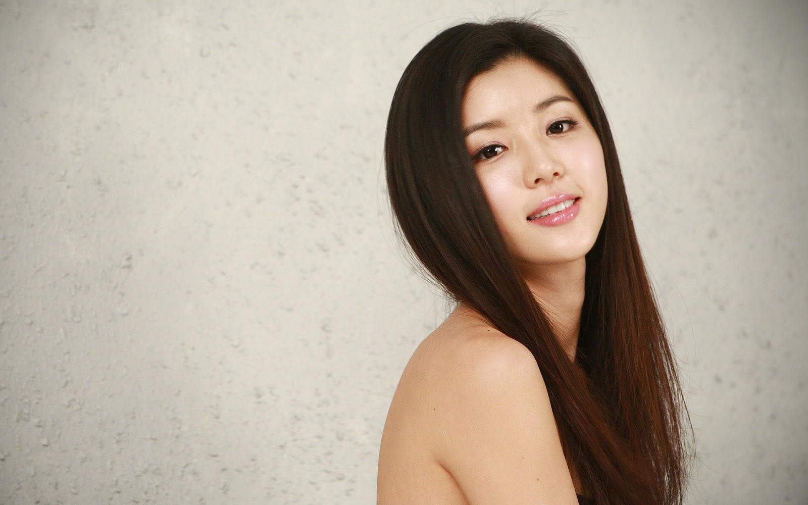Park Han Byul Image: 8 Months Pregnant Park Han Byul Updates Fans With A Selca