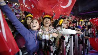 Απόλυτη παράνοια: Συνεχίζουν τον μεταξύ τους καυγά οι Τούρκοι για τα... ελληνικά νησιά…