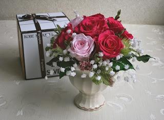 プリザーブドフラワー可愛いバラとカスミソウ