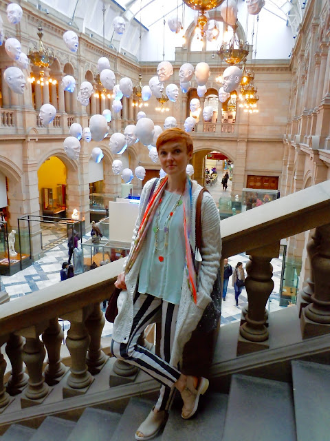 What to wear to visit a museum, Kelvingrove.