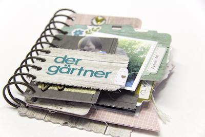Minibook mit verschiedenen Stanzen hergestellt