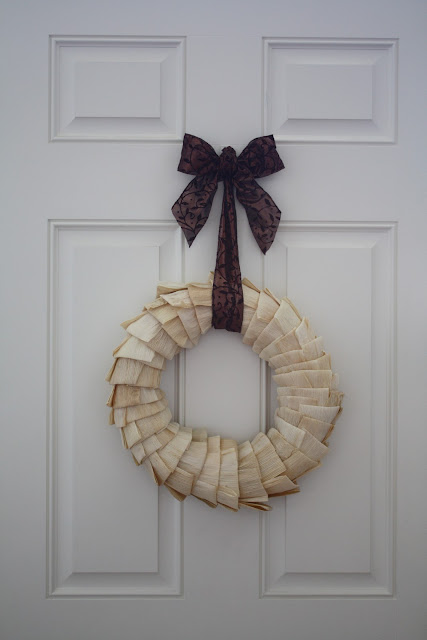 Corn Husk Wreath by Chessa Moore for #LoveYourLifeFriday at karenehman.com.