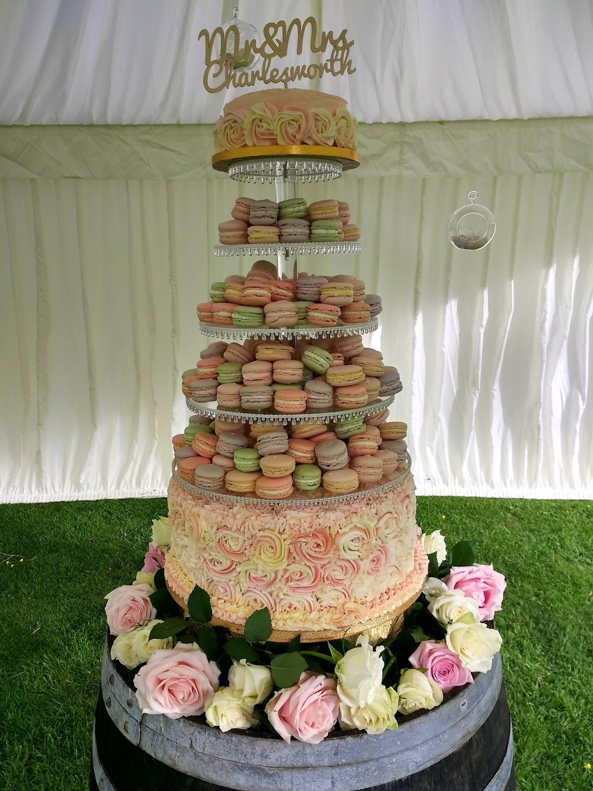 macarons wedding cake s cottage kitchen roses and macarons wedding cake 16969