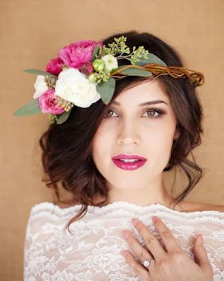 Hoa cài tóc cô dâu cho vẻ đẹp thuần khiết2