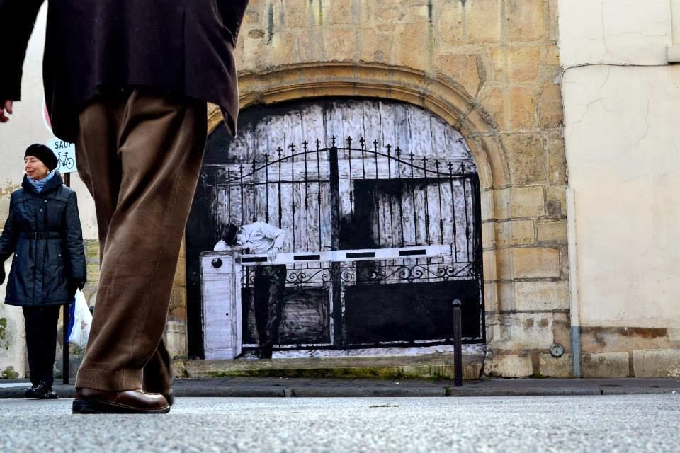 """""""Border"""" New Paster On The Streets of Paris in France by French artist Levalet."""
