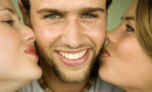 Да, некий процент мужчин носят легкую небритость или бороду. Ну и что же в этом плохого? Да нам это не нравится, нас это раздражает, но это же наши любимые… Почему мужчины носят бороду и всё ли так …