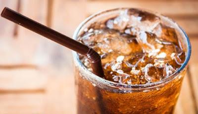 Minuman Soda Terkait Risiko Demensia dan Stroke Lebih Tinggi