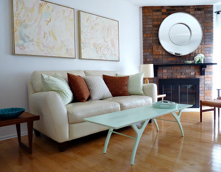 How to stage a living room for sale