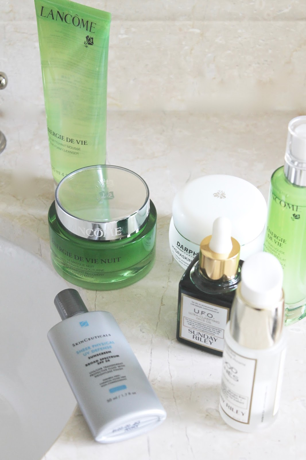 TIPS TO STREAMLINE YOUR SKINCARE ROUTINE
