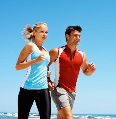 vida-saudavel-casal-correndo