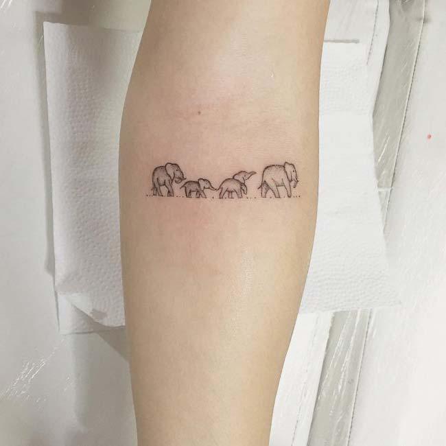 fil ailesi dövme modeli