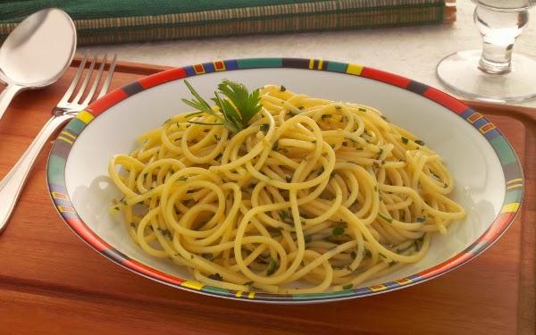 Espaguete Alho e Óleo (Imagem: Reprodução/Internet)