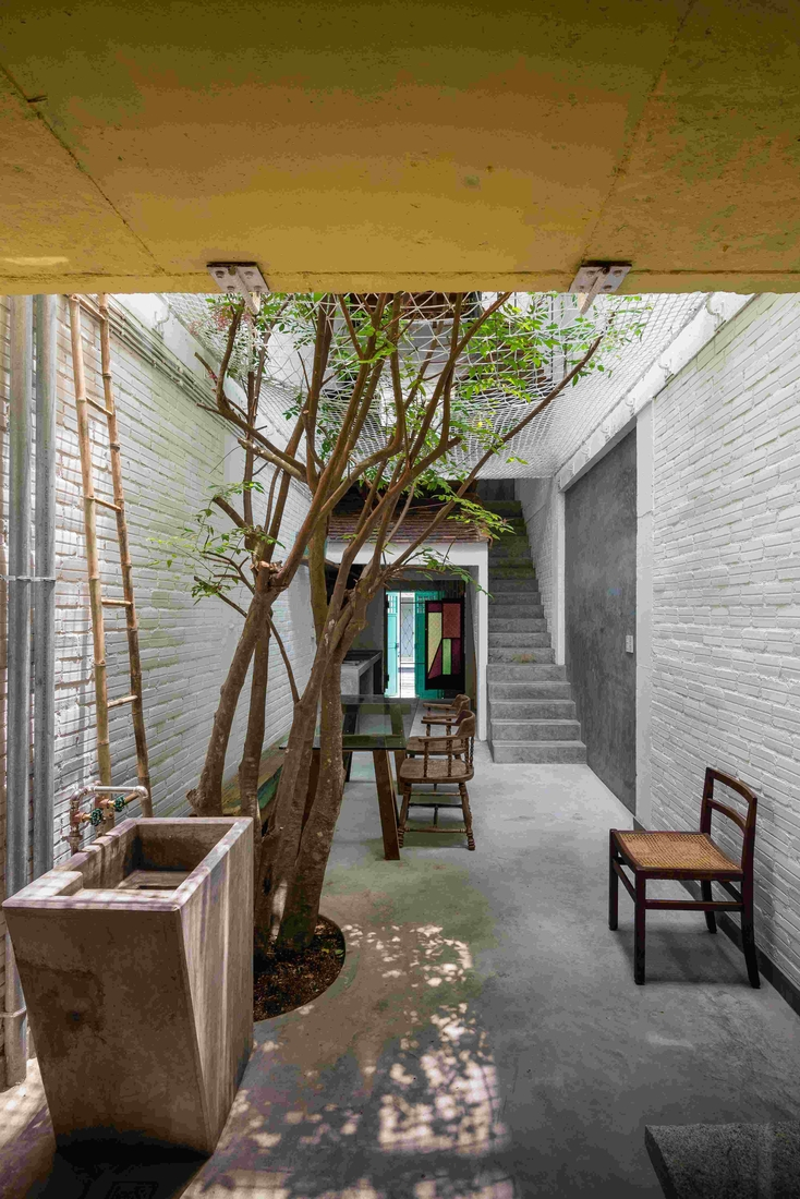 03-a21Studio-A-Home-Where-the-Rooms-Look-Like-a-small-Village-www-designstack-co