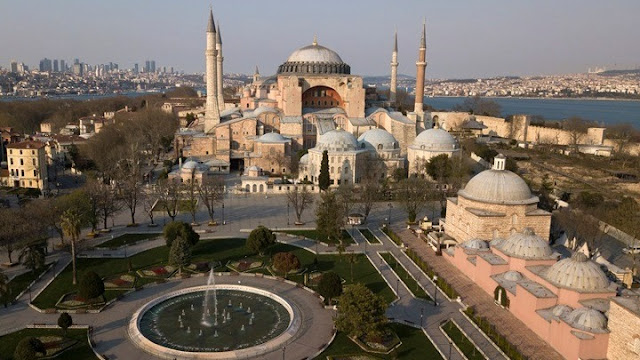 Αγία Σοφία: Ένας προδιαγεγραμμένος «εξισλαμισμός»