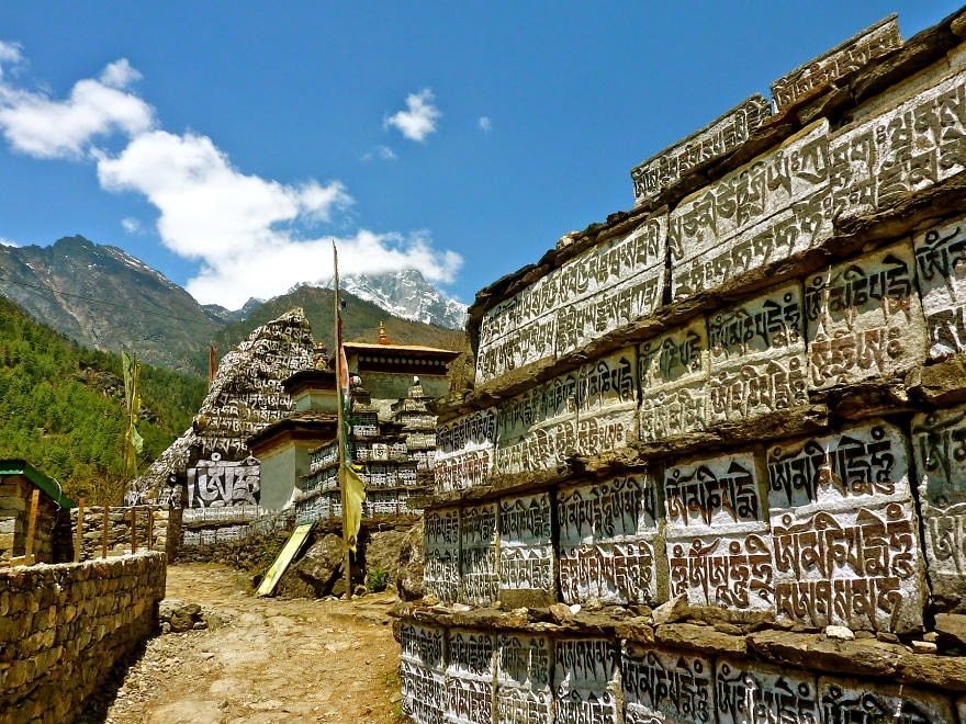 Mani Stones along the way from Lukla to Phakding - My 25 Photos Of The Everest Base Camp Trek