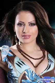 ليال عبود (Layal Abboud)، مغنية لبنانية