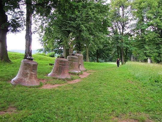 Dzwony na Wzgórzu Kwarantanny.