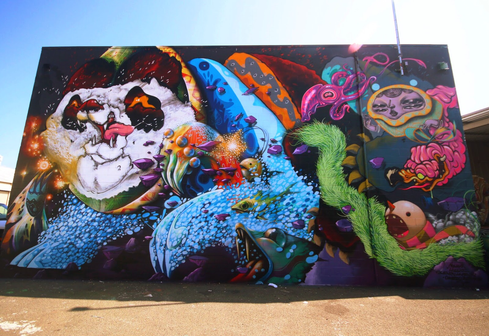 Nosego and Woes were invited to collaborate on a brand new mural close to the Lana Lane Studios in Kaka'Ako in Honolulu.