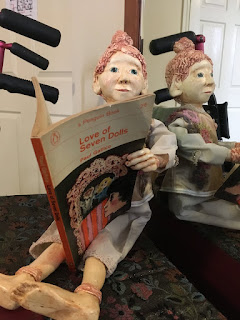 Poilin Puppet reading for her maker Corina Duyn