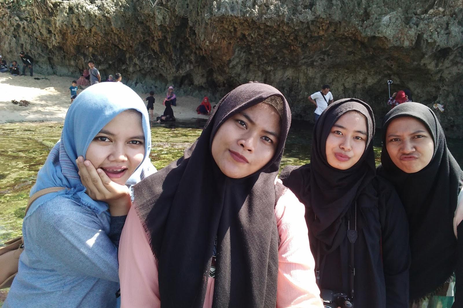 kaos hijab gaul tutorial hijab gaul masa kini kreasi hijab gaul kontroversi hijab gaul hijab gaul modis model hijab gaul wajah snge pelacur