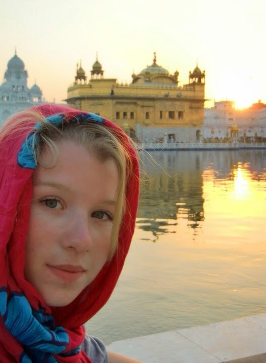 lone wolfe travel  living in india