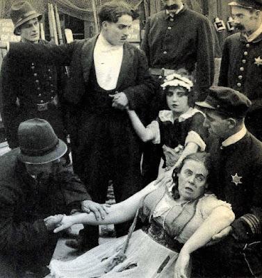 "Чарли Чаплин, Мэйбл Норманд и Мари Дресслер в ""Прерванном романе Тилли"" (1914) - 4"