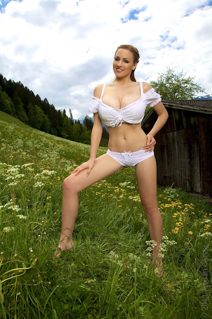 Jordan-Carver-No-Sin-On-The-Alp-photoshoot-picture-no.-17
