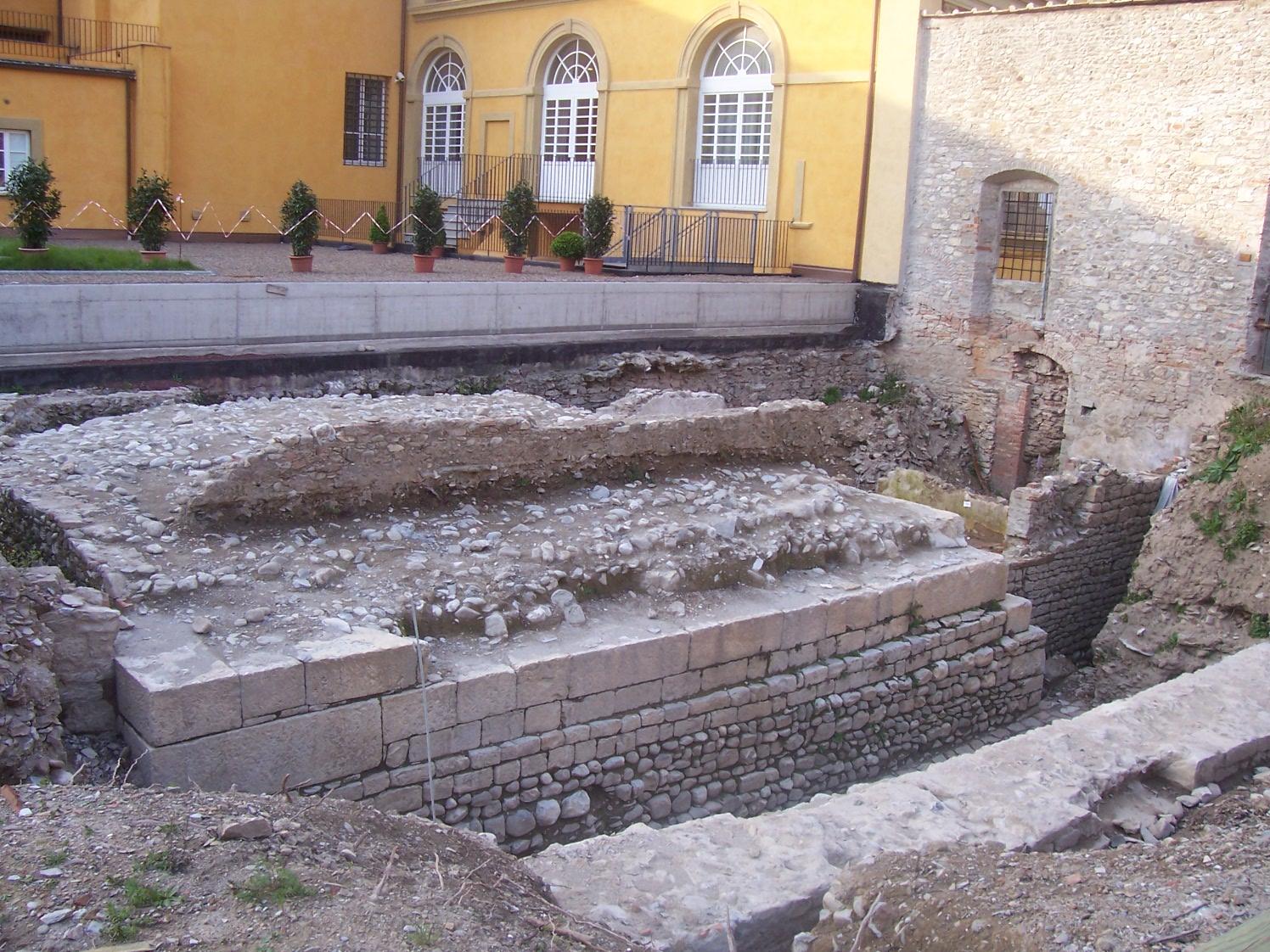 Resti - Castrum - Prati