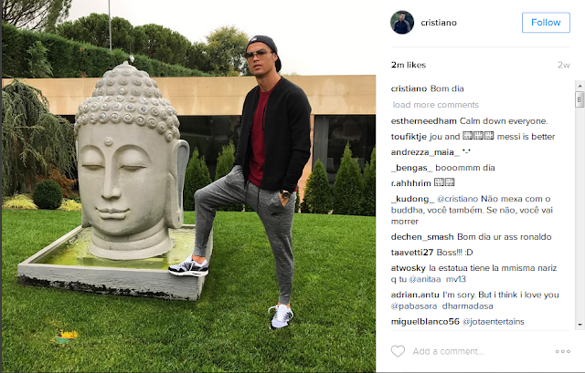 Cristiano Ronaldo dikecam netizen , Gara-Gara Foto Yang Dianggap Menginjak Patung Budha.