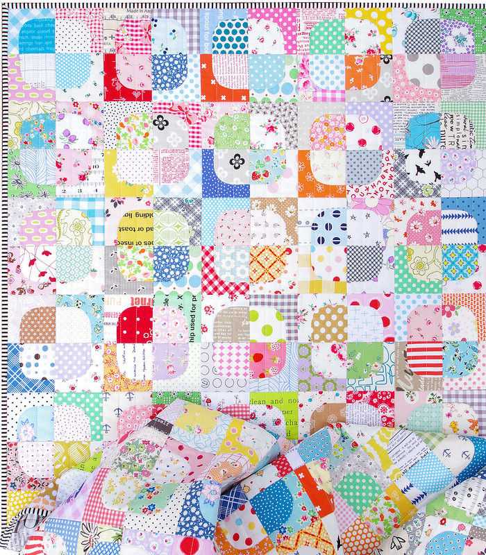Squircles Quilt ~ Neither a Square nor a Circle ~ Templates available ~ © Red Pepper Quilts 2017