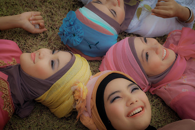 Hijab Bukan Ajang Untuk Pamer Kecantikan