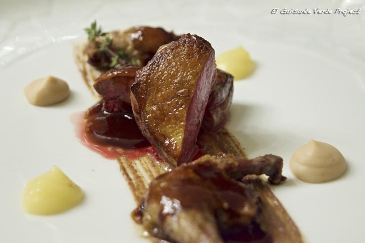 Pechuga de pichón, muslo confitado y foie - Restaurante Aizian por El Guisante Verde Project