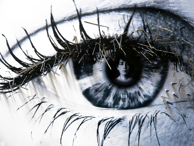 38 yeux reflètent des évènements du XXe siècle. Cet oeil reflète la femme sculpteur Camille Claudel.