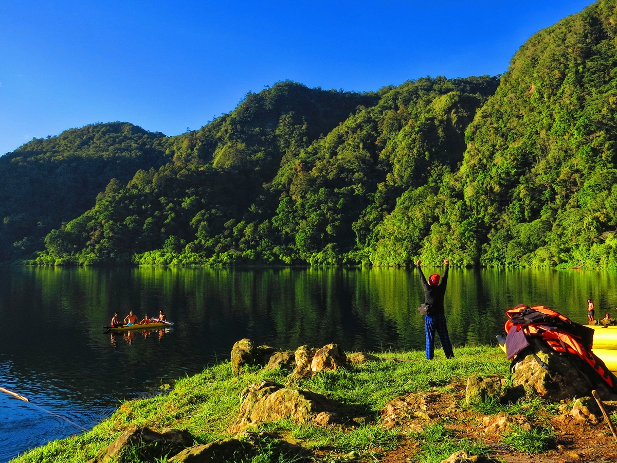 Morning in Lake Holon
