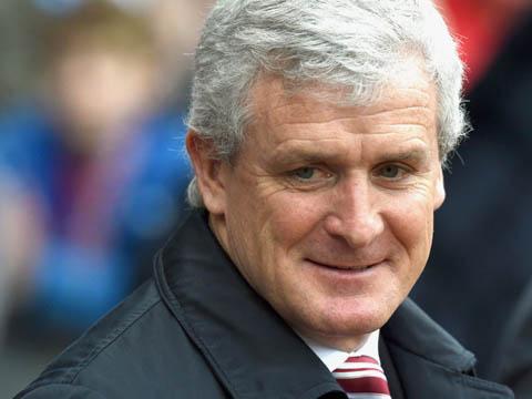 """Mark Hughes chê Man United của Van Gaal """"thiếu cá tính"""""""