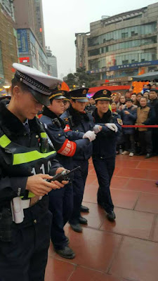 Chinese vendor stabs local officer in the throat with fruit skewer ‍