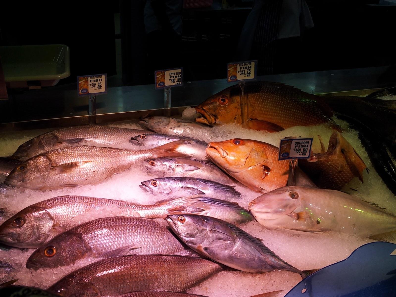 Around My Kochi!: Fresh Seafood Stall At Lulu Hypermarket, Kochi