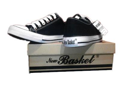 sneaker traveling
