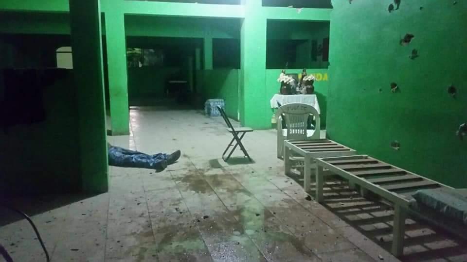 Grupos armados en camionetas blindadas atacan con granadas, el FUSDEG en Guerrero
