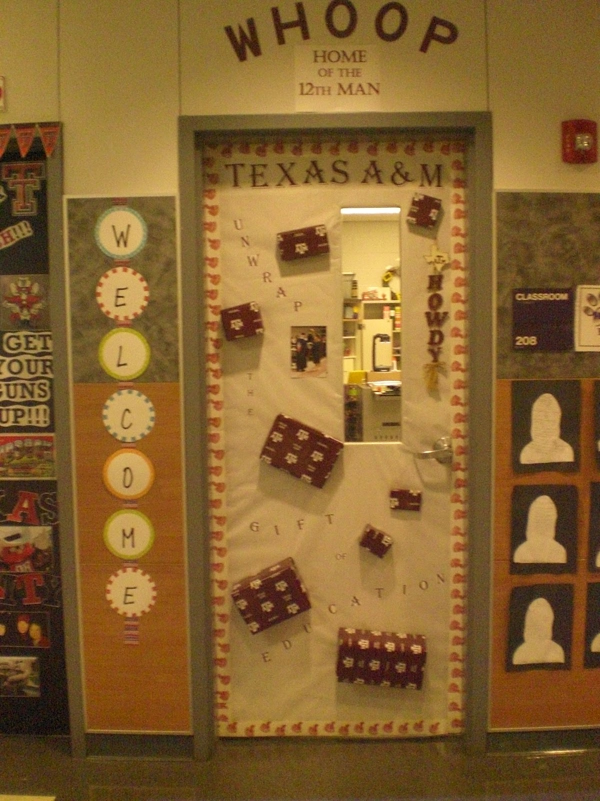 Hodges Herald Door Contest