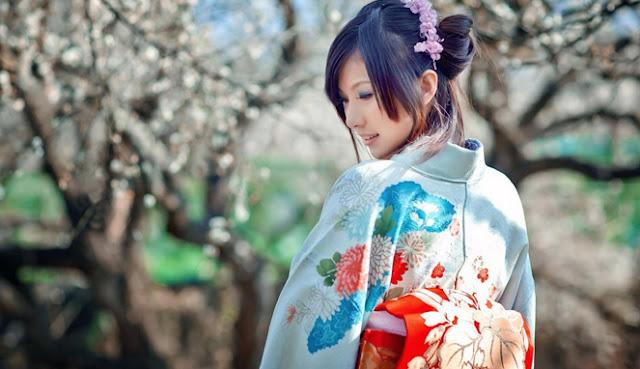 10 Nama Keluarga Jepang Paling Populer Dilengkapi dengan Artinya
