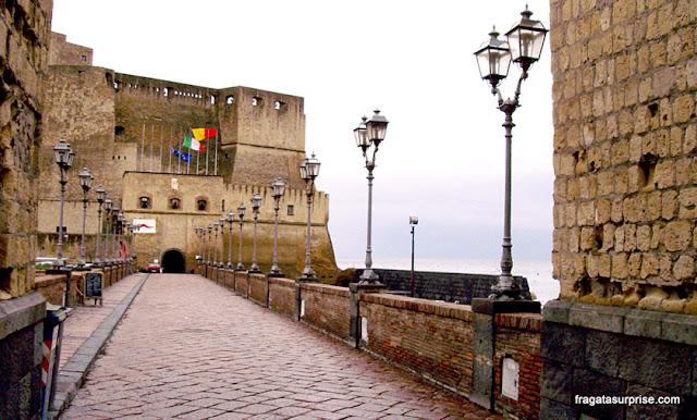 Castel d'Uovo, Nápoles