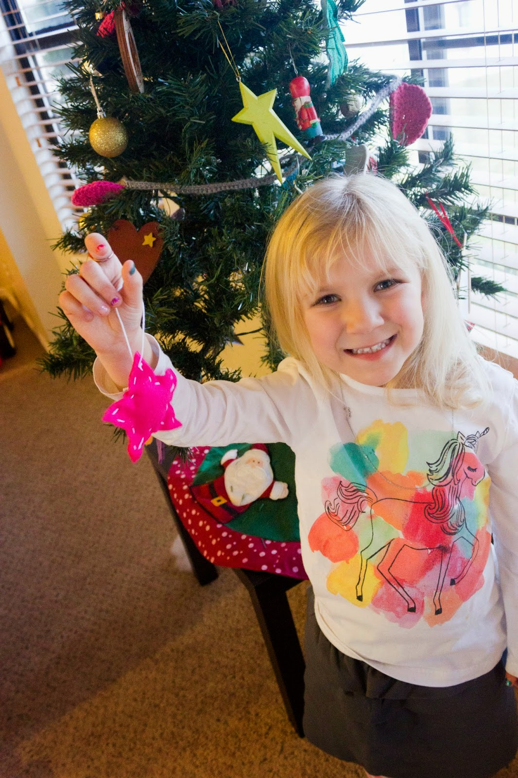Sew a Felt Star Ornament | hillmade.blogspot.com | a beginning sewing project for any age