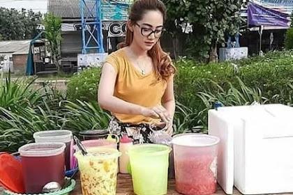 Viral! Penjual Es Buah Ini Cantiknya Kebangetan, Netizen: Itu Tetangga Saya...
