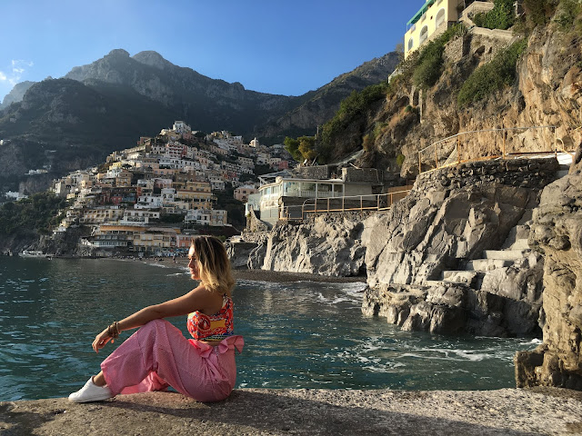 Positano, Amalfi Coast, roadtrip italy, Dolce&Gabbana, dolce and gabbana, summer outfit, travel italy, italian destination, canadian fashion blogger, how to wear high waist pants, what to wear in positano, streetstyle italy, best canadian fashion blogger