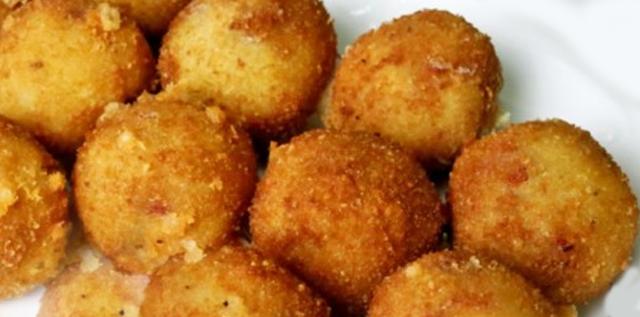 Receta de croquetas de polenta✅doraditas y crocantes, toda una tentación, si quieres darle un toque personal, puedes añadir queso, trocitos de jamón o pollo