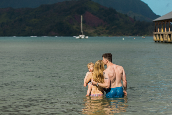 family & maternity photos in the ocean