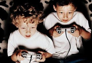 anak-main-game-berdua.jpg