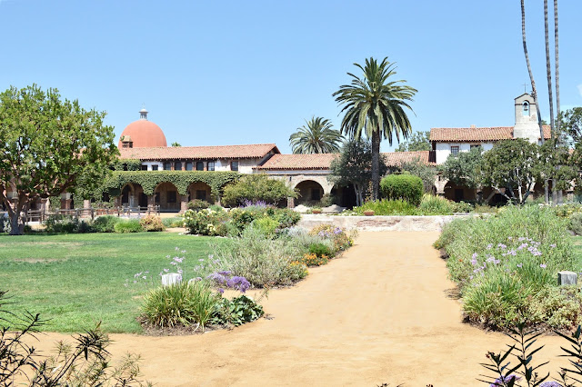 date ideas in orange county mission saint juan capistrano