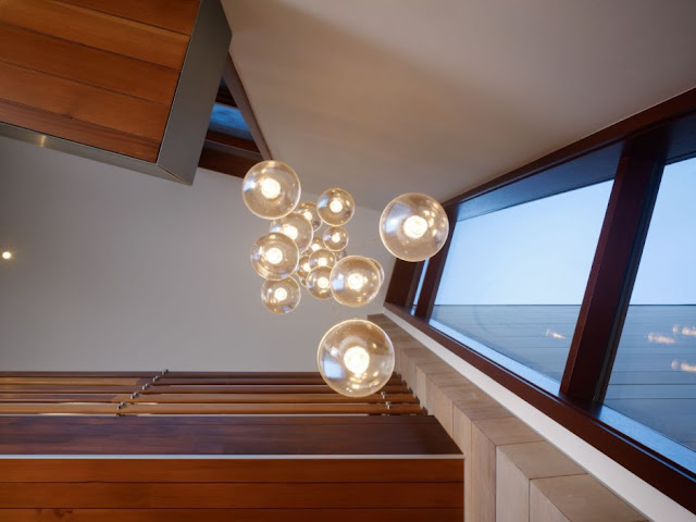 Light bulbs in the Mandeville Canyon Residence